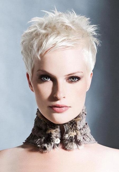 Short-Platinum-Blonde-Hair